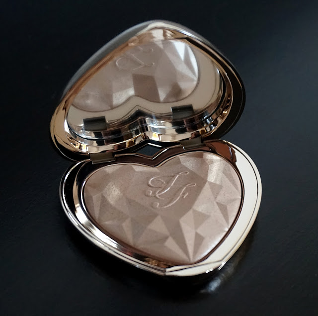 Review Love Light Highlighters Too Faced