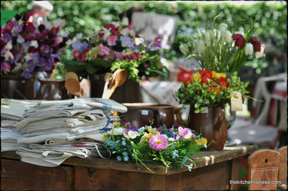 country style flowers the kitchen lioness adendorf castle country fair 27954