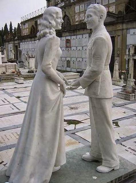 1111 foto [FOTO] Kuburan Paling Aneh dan Unik