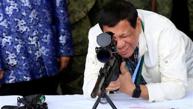 Philippine President Rodrigo Duterte allows police to kill 'idiots' resisting arrest