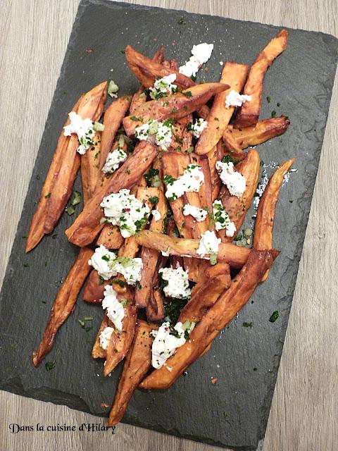 Frites de patates douces au chèvre, ail et persil
