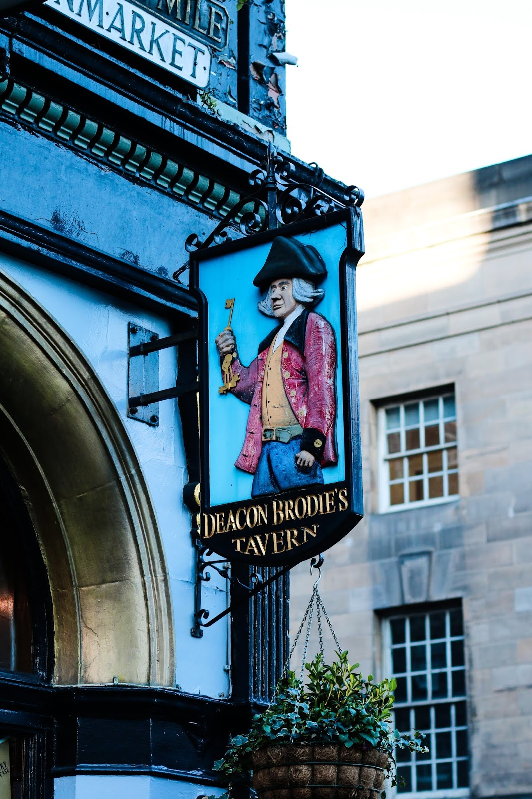 a close up of the deacon brodies tavern sign in Edinburgh