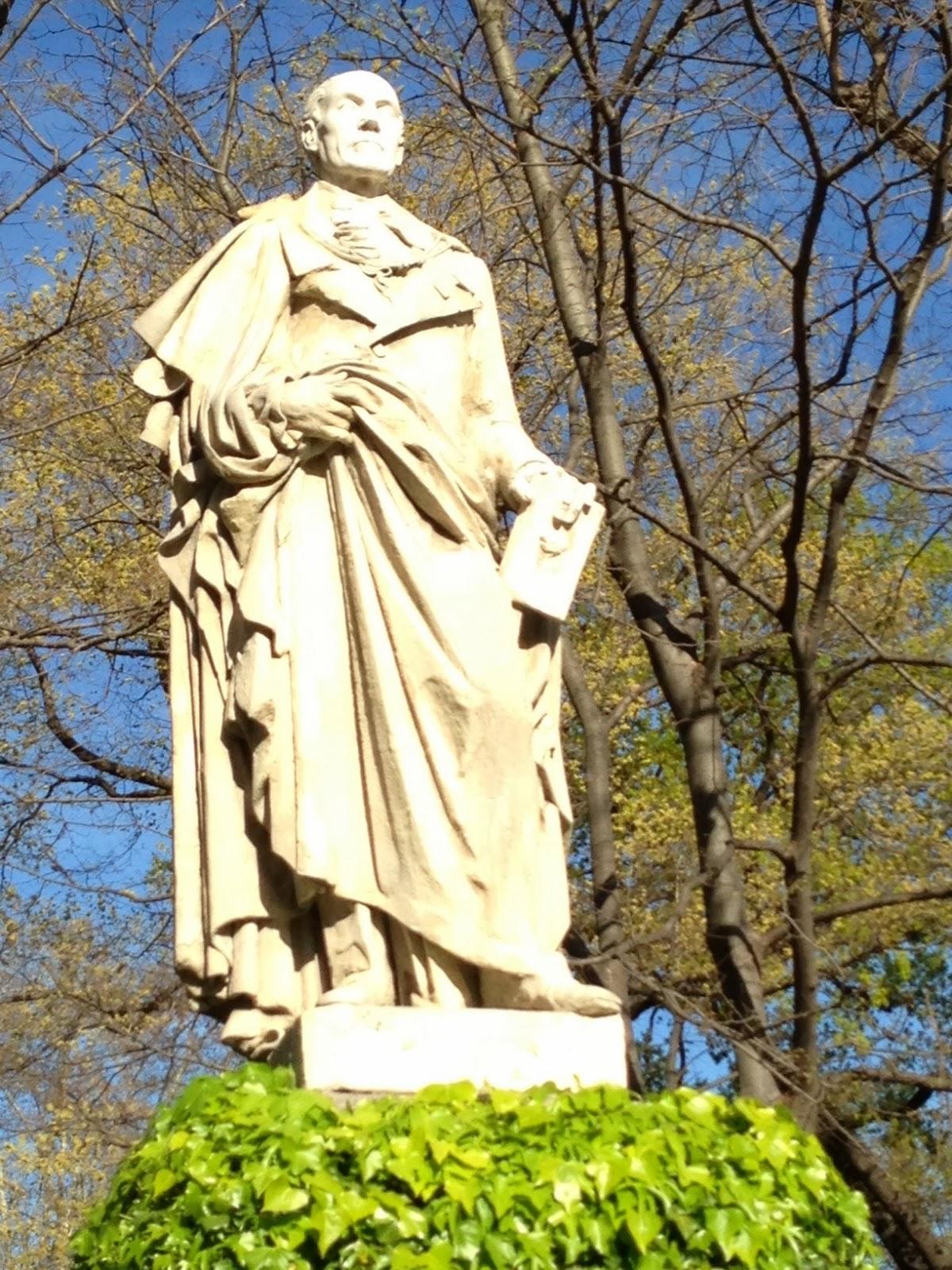 La biblioteca carpetana estatuas del jard n bot nico - Estatuas de jardin ...