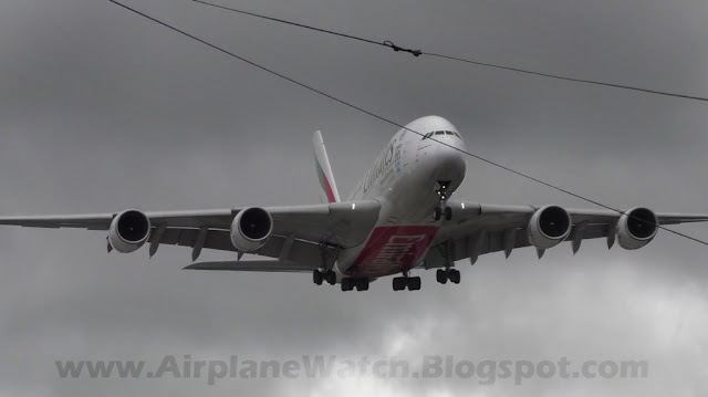 Emirates Airbus A380 landing in strong crosswinds at Manchester Airport March 2016