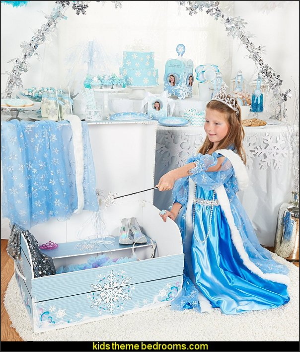 Snowflake Play Trunk frozen theme birthday party decorating ideas