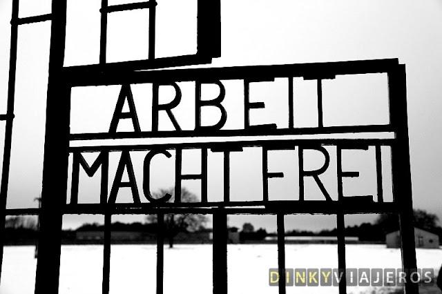 Arbeit macht frei (el trabajo os hace libres)