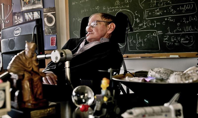 Những hiểu biết sâu sắc của Giáo sư Stephen Hawking đã định hình vũ trụ học hiện đại và gây cảm hứng cho hàng triệu người trên toàn thế giới cho môn khoa học này. Hình ảnh: Sarah Lee/The Guardian.