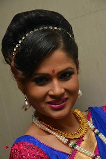 Anchor Shilpa Chakravarthy Stills in Saree at Nayaki Audio Launch  0001.jpg