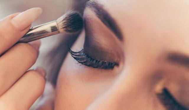 Tips Bagi Make Up Artis Pemula dari Bennu Sorumba