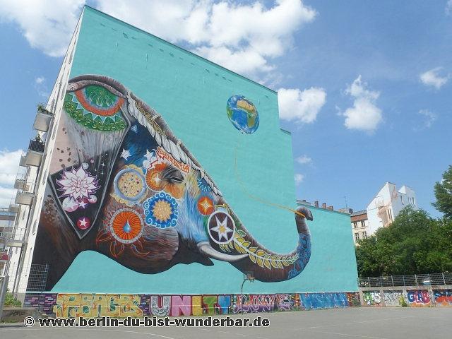 Berlin street art completely