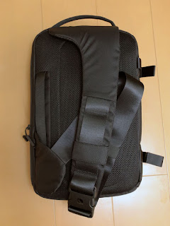 Incase DSLR Sling Pack CL58067 スリングバッグ13