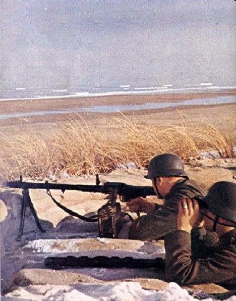 Coastal defense gunner Color Photos World War II worldwartwo.filminspector.com