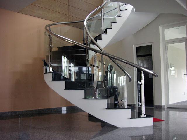 cầu thang đá hoa cương đen đẹp 5