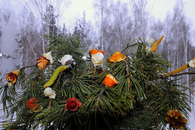 Фруктовые цветы для новогодних букетов