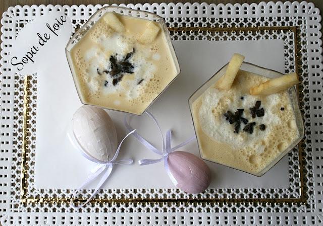 Sopa de foie y yogur con manzana