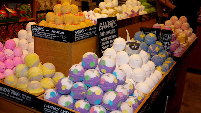 Lush Christmas Range bath bombs