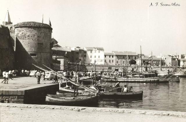 El port de l'Alguer el dia del Retrobament