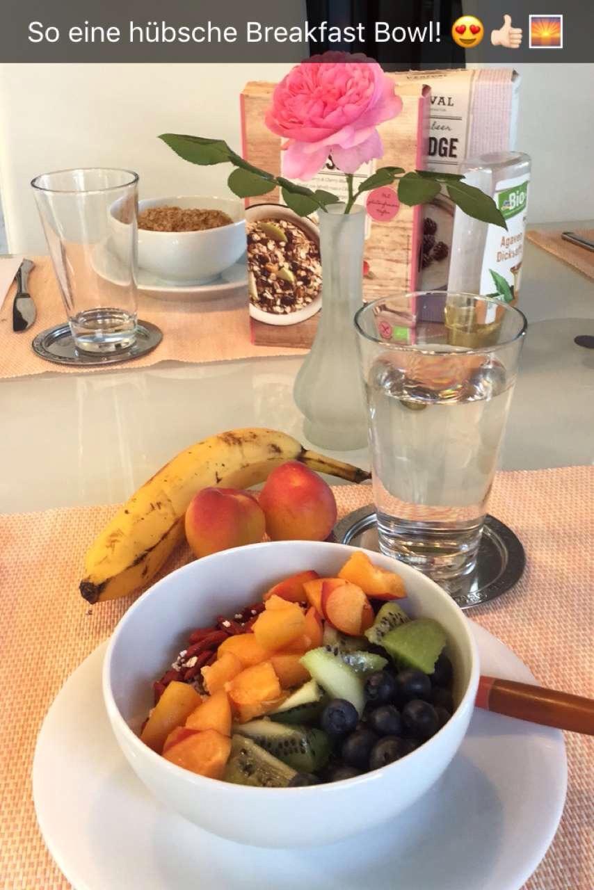 Breakfast Bowl mit Früchten / Fitness mit Sugarprincess