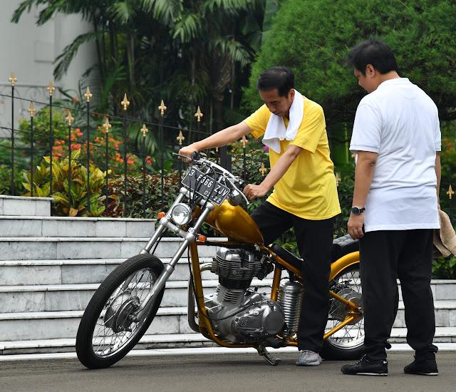 Jogging Bareng, Joko Widodo dan Airlangga Hartarto Bicara Motor Hingga Cawapres