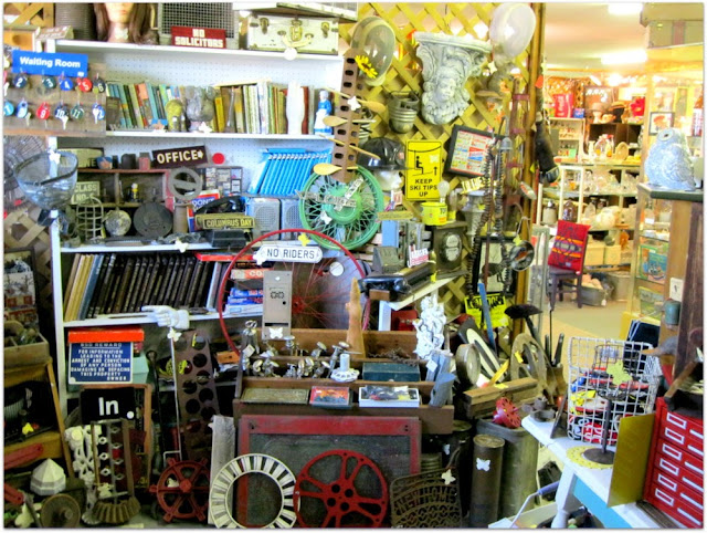 Antique Lovers Based In Chicago Have Long Favored The Antique Stores In Little Galena Illinois No Matter What You Like Or Are Looking For