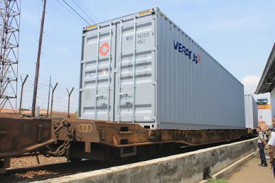 kontainer Jumbo
