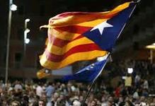 διαδηλώνουν χιλιάδες Καταλανοί