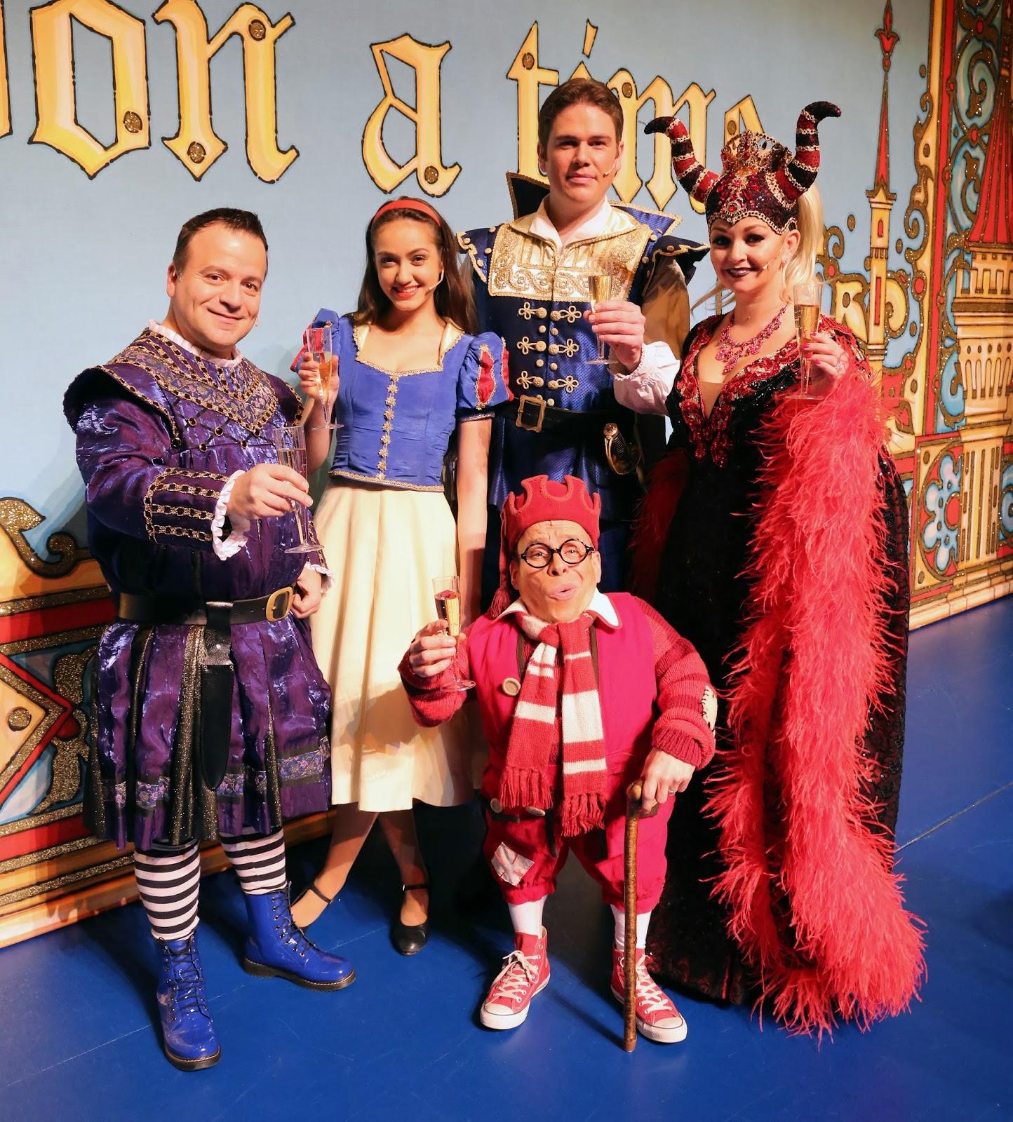 Snow White and The Seven Dwarfs Milton Keynes Theatre 2013 Cast