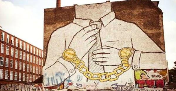 Τα επαγγέλματα που ανθίζουν στα μνημόνια (ή αλλιώς οι φύλακες της συμφοράς)