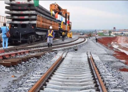 Lagos-Ibadan rail : FG berates CCECC over slow pace of work