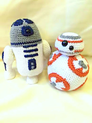 Crochet amigurumi R2D2 and BB8 from Star Wars