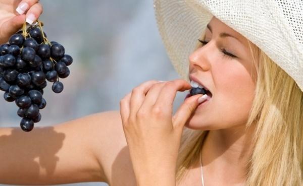 Bí quyết giảm cân bằng trái nho của phụ nữ Pháp
