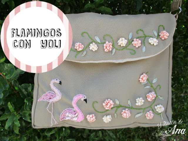 Flamingo bordado y flores con listón