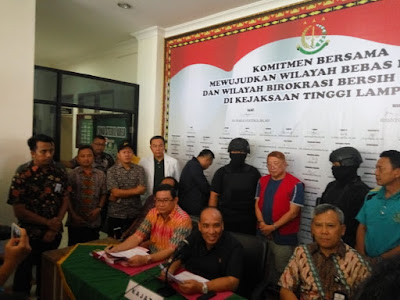 Tim Mengendus Keberadaan Sugiarto Wiharjo alias Alay Sedang Bersama Keluarga