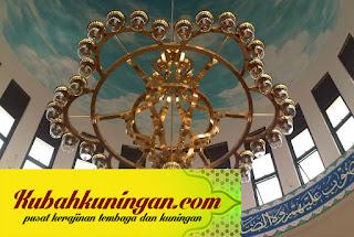 lampu kuningan antik, lampu kuningan kuno, lampu kuningan, lampu gantung kuningan, lampu gantung kuningan antik, lampu hias kuningan, kerajinan lampu kuningan, lampu dinding kuningan, lampu dari kuningan, pengrajin lampu kuningan,