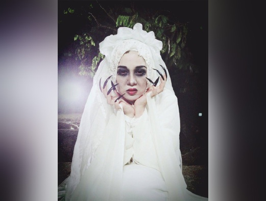 Sinopsis telefilem Pontianak Sesat Dalam Kampung siaran Astro, pelakon dan gambar telefilem Pontianak Sesat Dalam Kampung