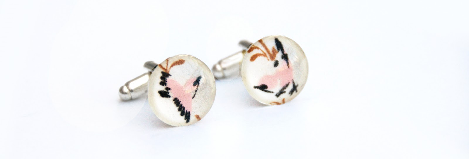 https://www.etsy.com/uk/listing/178923113/vintage-birds-womens-cufflinks-pink-and