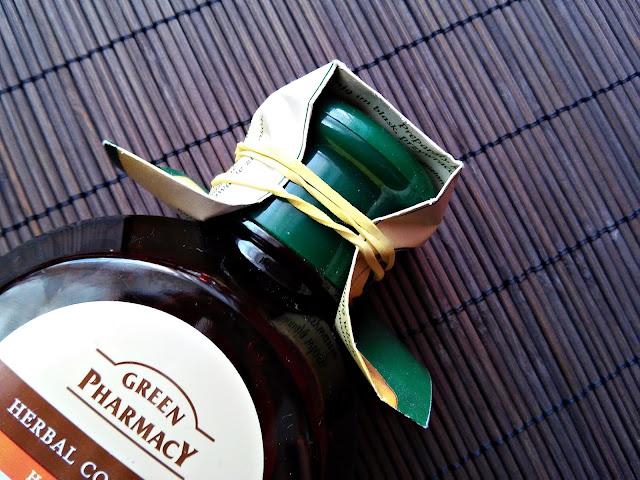 Green Pharmacy - Szampon do włosów normalnych i przetłuszczających się - Nagietek lekarski, zamknięcie butelki