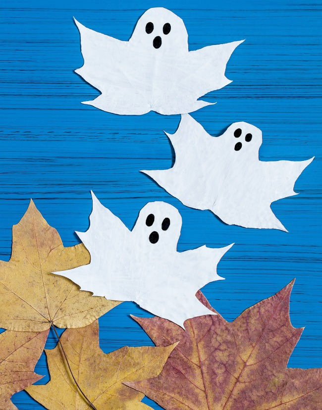 FUN KID PROJECT:  Make ghost leaves. (BOO-tiful Fall craft for kids)