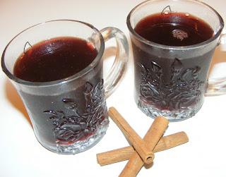 bauturi, izvar, retete vin fiert cu miere si scortisoara pentru gripa si raceala, retete, sanatate, remedii, leacuri, bautura calda, bauturi traditionale romanesti,