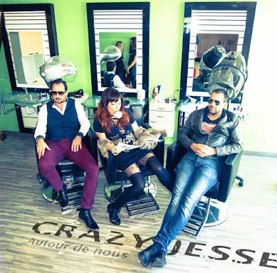 Autour de nous est le premier album de Crazy Jesse.