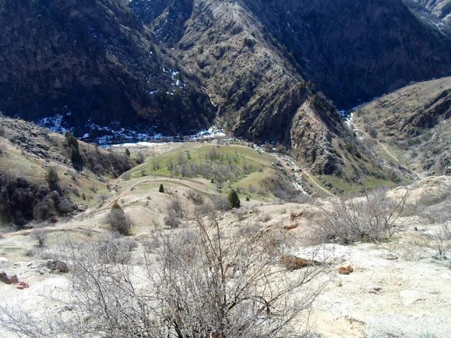 Заброшенная штольня в ущелье Оджук, Варзоб, горы Таджикистана - фото-обзор похода