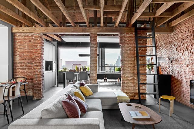 Birou la mansardă transformat în apartament