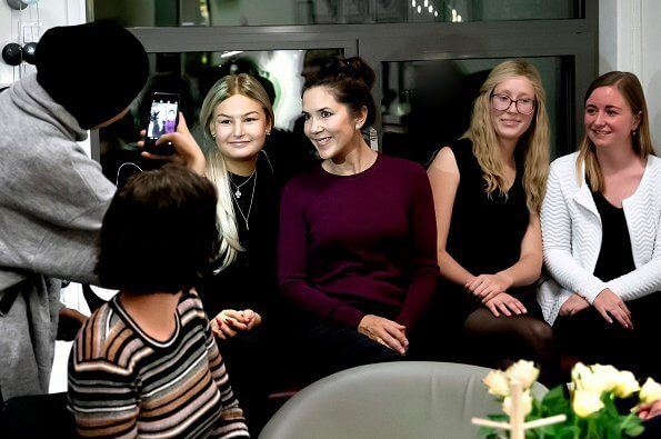 Crown Princess Mary visited Kræftværket at Rigshospitalet (National hospital) in Copenhagen. Zara burgundy sweater