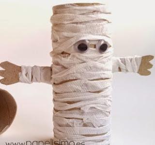 http://papelisimo.es/2014/10/momia-de-papel-higienico-halloween-mummy-paper-tubes-diy/