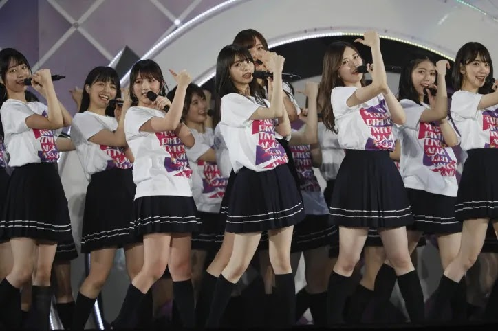 Penampilan Nogizaka 46 di Ulang Tahun Ke-7 nya