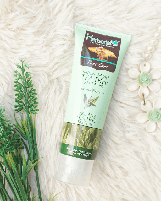 Herborist Anti Acne Tea Tree Facial Foam