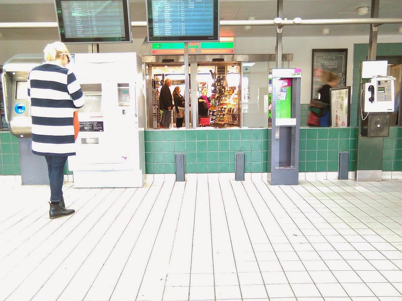 Ventesalen på Valby Station | Valby og København, før og nu