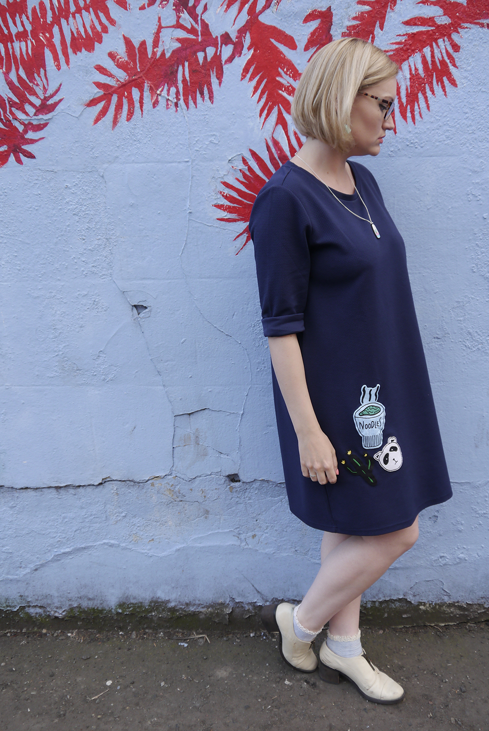 blue outfit, oversized slouchy dress, modern fashion silhouette, uk fashion blogger, forward fashion, japan inspired patch, wardrobe conversations, sew on patch, the whitepepper,
