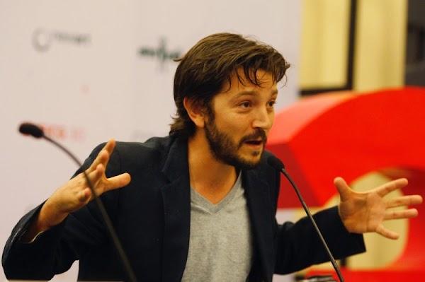'Si no salimos exigir que el presidente renuncie, nunca nos van a escuchar': Diego Luna