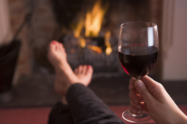 Winter Date Night with Cameron Hughes Wine, Winter date night ideas, date night in, winter dates, fun winter dates, wine and a movie date, Cameron Hughes Wines,